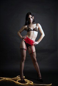 Стройная малышка,  очень хочет заняться сексом с мужчиной в Севастополе